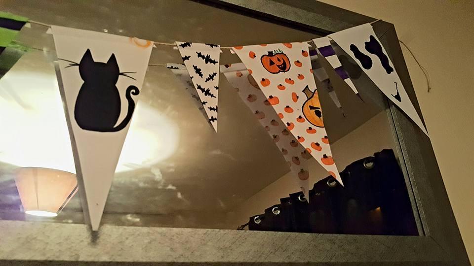 halloweenbunting_hanging2