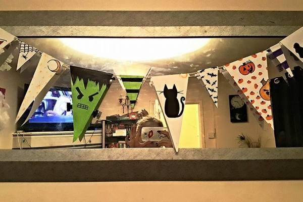 halloweenbunting_hanging3