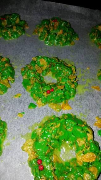Christmas wreath cakes