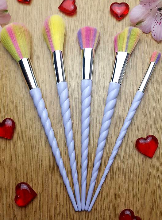 BirthdayGiveaway_UnicornBrushes