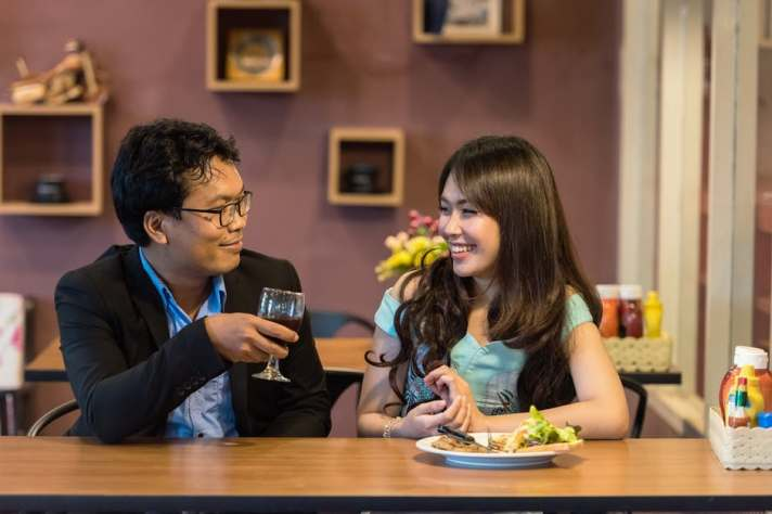 Dating4_Couple