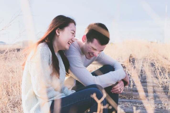dating_laughing