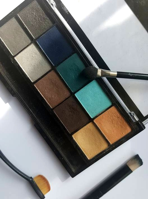 howtogreeneyeshadow