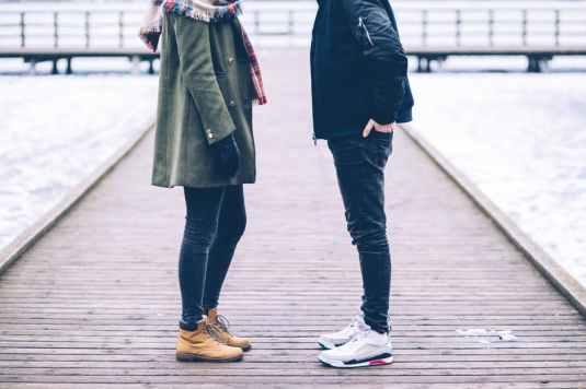 Dating-Crush-Posture