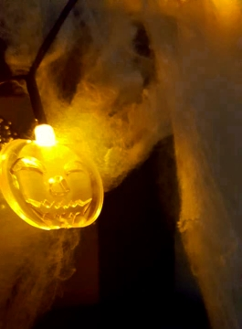 HalloweenTour-PumpkinLights