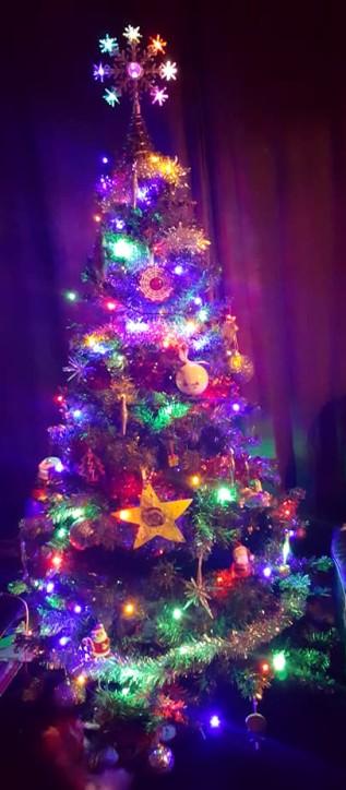 ChristmasTour-Decs-Tree