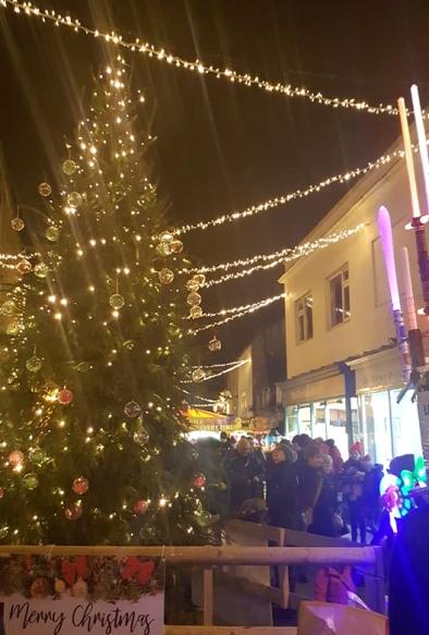 ChristmasTour-Light-Tree