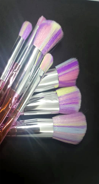 BirthdayGiftsMakeupBrushes1