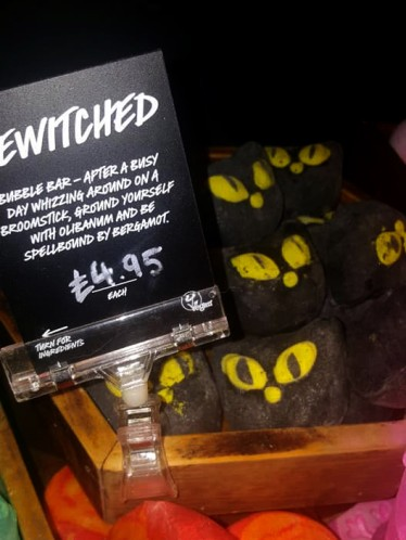 Lush-halloween-Winter-Event-bewitched-bubble-bar
