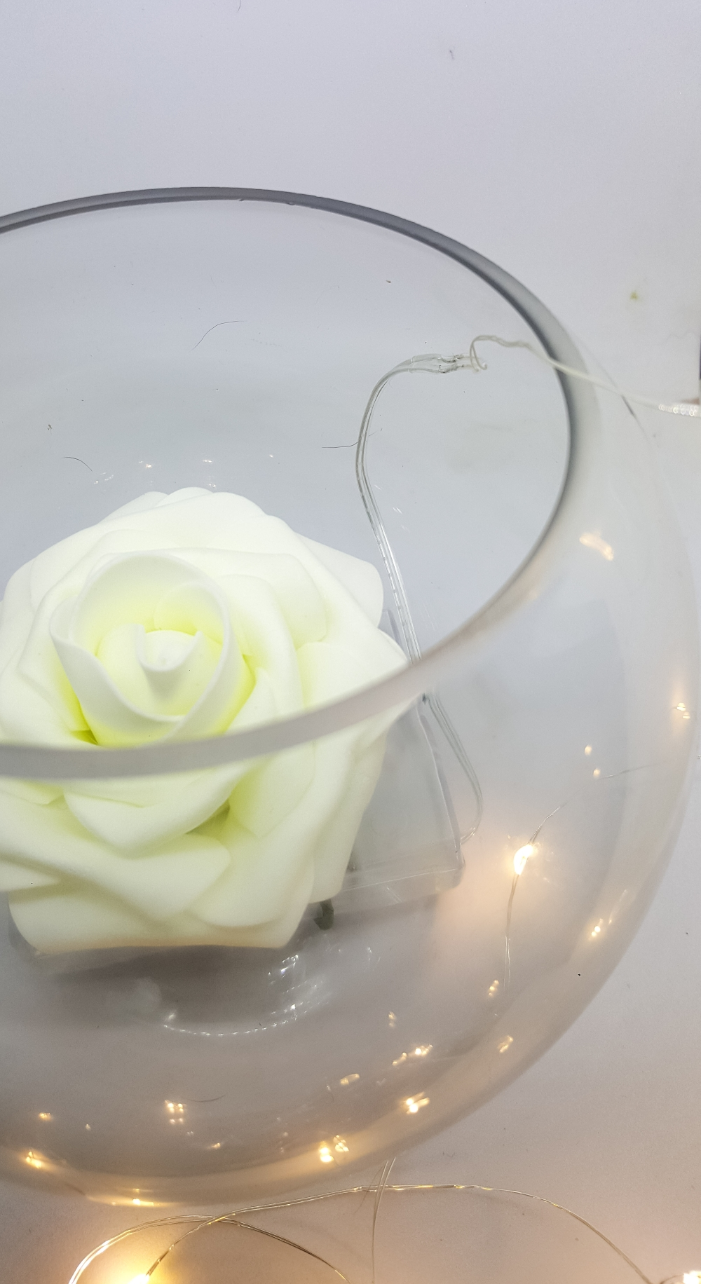 Rose and light centrepiece for all occassions